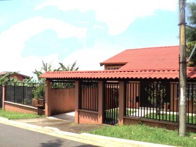 Calle Los Manzanos, San Rafael Heredia.  Hermosa Casa