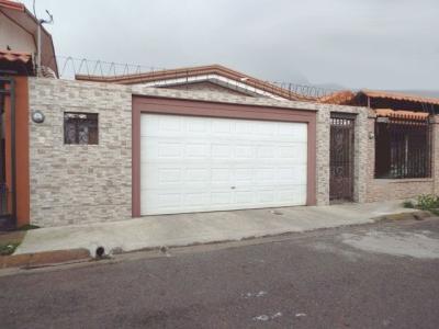 De Las Rosas, San Rafael Heredia.  Hermosa Casa