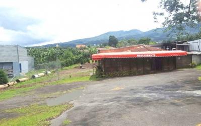 Restaurante  y gran Terreno, Santa Elena, San Isidro Heredia.