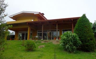 SE ALQUILA QUINTA CON CASA EN SAN ISIDRO DE HEREDIA (NHP-038)