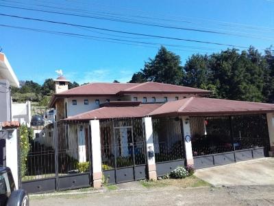Casa en San Isidro de Heredia, 484mts2