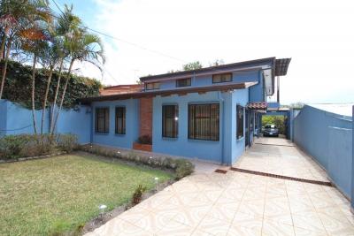 CASA PARA FAMILIA GRANDE EN SAN ISIDRO (NHP-402)