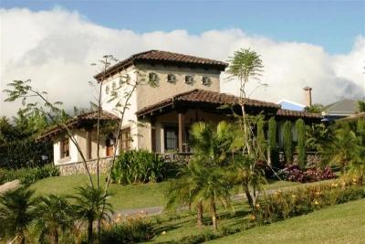 Casa colonial, Exquisito diseño/5h. con 10.000mt2. ID 2423