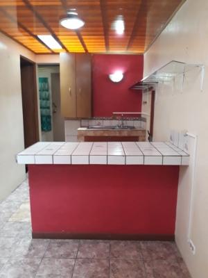 Propiedad con 5 apartamentos en San Isidro Heredia