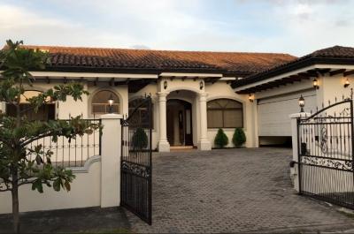 Casa en Residencial en la Asunción de Belén