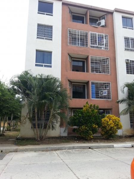 - Apartamentos