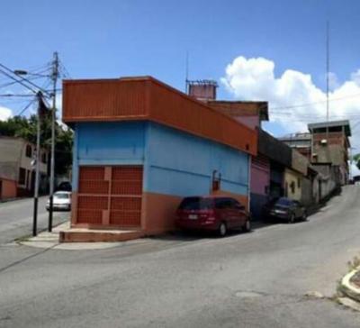 LOCAL COMERCIAL EN CUA