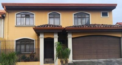 Hermosa Casa en Heredia, San Pablo. Exclusivo Residencial La Amada