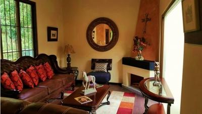 Bella casa en Antigua Guatemala / 3 dormitorios