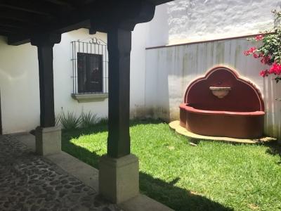 VENDO LINDA CASA CVF55 EN PORTAL DE ANTIGUA// ANTIGUA G. US$215,000