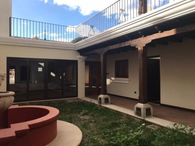 CASA A LA VENTA CV72 EN CONDOMINIO CASTILLAS DE BELÉN EN LA ANTIGUA GUATEMALA US$495,000
