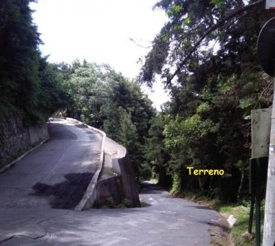 BONITO TERRENO, 88.50 METROS A ORILLA CARRETERA, ENTORNO ECOLÓGICO, VISTA PANORÁMICA