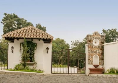 HERMOSA CASA EN RESIDENCIALES EL CAFETAL ANTIGUA GUATEMLA