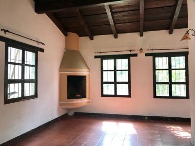 CASA EN VENTA CVF190 EN SAN PEDRO LAS HUERTAS// ANTIGUA GUATEMALA US$225,000