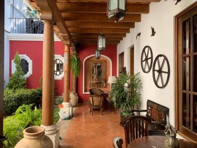 CASA A LA VENTA CVF202 EN EL CALVARIO, ANTIGUA GUATEMALA US$450,000