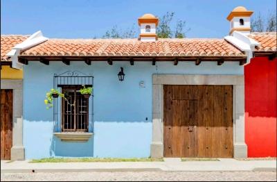 Casa en venta ubicada Antigua Guatemala / Condominio Huertas de San Pedro