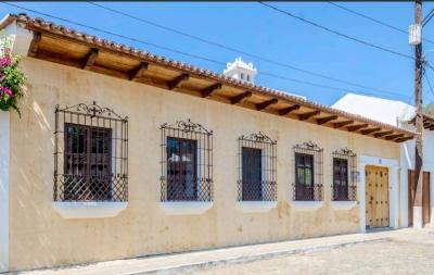 Hermosa casa en venta ubicada Casco Urbano en Antigua Guatemala