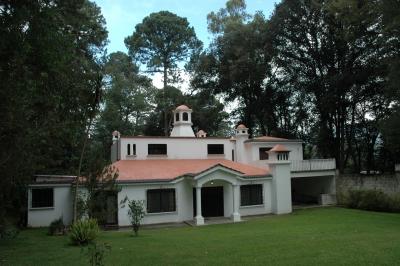 Hermosa Casa Estilo Español, Arrendamiento, Amueblada, Jardines de Santiago, 1 Km de San Lucas.