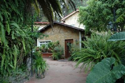 Estupenda Casa, Arrendamiento, Jardines de Santiago, 1 Km de San Lucas