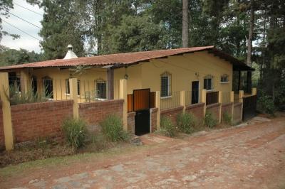 Casa Acogedora en Arrendamiento, Residencial Jardines de Santiago, a un kílometro de San Lucas.