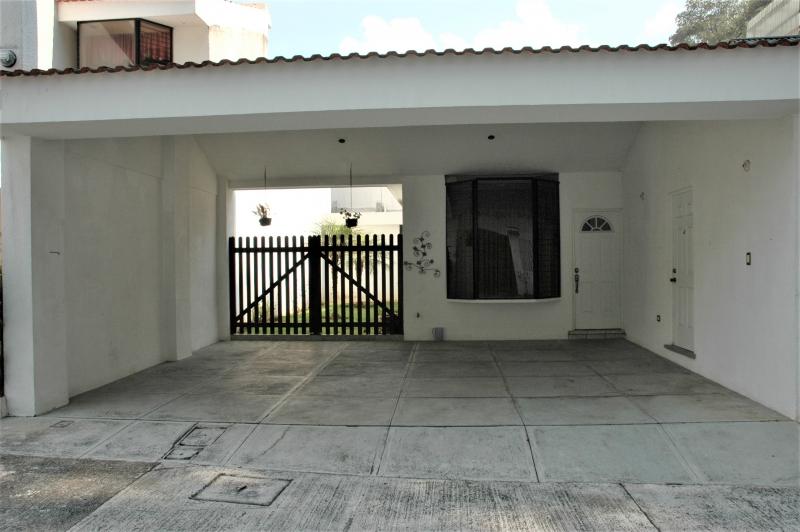 LINDA casa de un nivel en Residenciales Villas de Choacorral, San Lucas, Sacatepéquez.