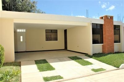 Acogedora Casa Nueva en Residenciales Villa Beatriz, San Lucas, Sacatepéquez.