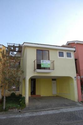CityMax Antigua Casa en venta dentro de residencial en Los Faroles