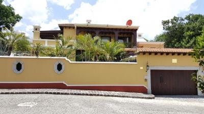 ¡¡¡ VENTA !!! Hermosa Propiedad con Vista Espectacular a los Volcanes  / Inmobiliaria Vintage