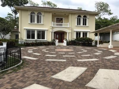 Casa Tipo Mansion, 650 M2 de construccion y 8 cuerdas de terreno