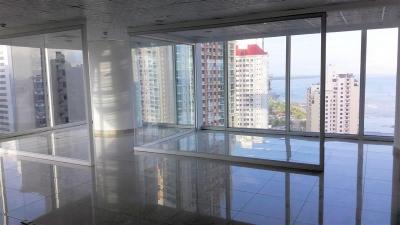 Moderna oficina en Oceania Business Plaza