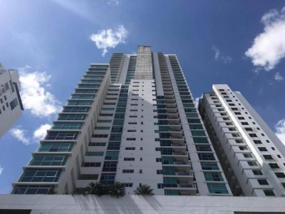 Vendo Exclusivo Apartamento Amoblado en PH Arboleda, Altos del Golf 17-5921**GG**
