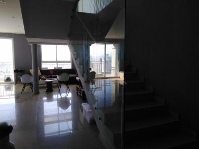 18-7903 AF Se vende apartamento en Obarrio