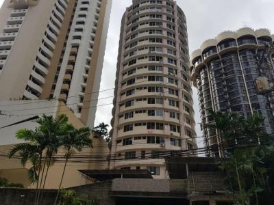 18-7719 AF A la venta conveniente apartamento en Punta Paitilla