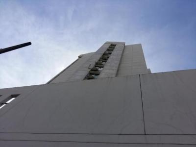 Vendo Apartamento Céntrico en PH Brisas de España, Carrasquilla 18-8229**GG**