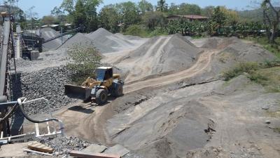 CONCESION -PARRITA: 2.500 metros cúbicos diarios de lastra, US$ 4.000.000( Precio Negociable)