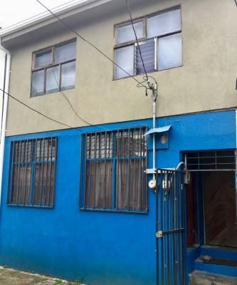 Apartamento amplio, con 2 habitaciones y estacionamiento, Desamparados centro