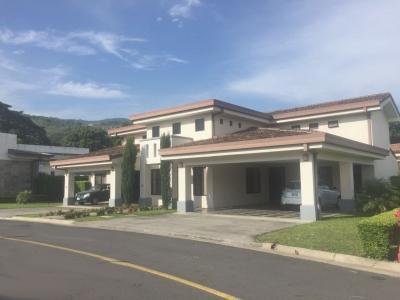 Se vende hermosa casa y apartamento en Santa Ana, Condominio Villamont