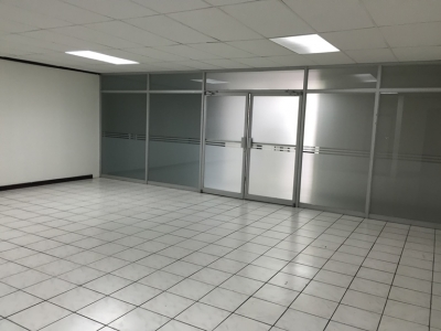 Oficinas en Alquiler en Edificio en San Pedro