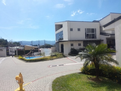 Condominio en Villa Cedros, Sabanilla 147mts2
