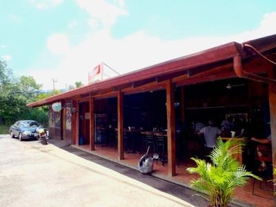 Se vende negocio de bar y restaurant en Bo. San José, Atenas.