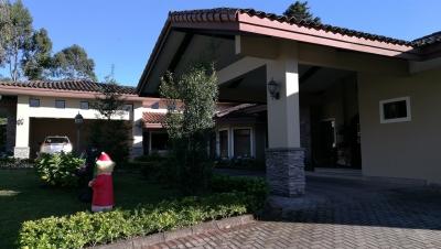 Casa en Venta en Tres Rios, San Ramon.- Ref. 3130