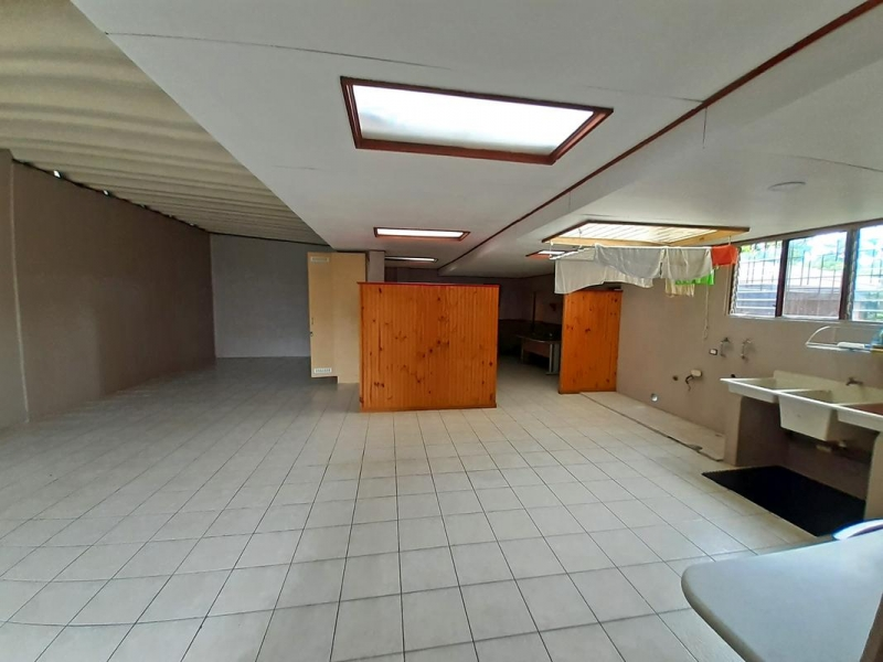 Casa de 350 m2, 3866 m2, Naturaleza, y Vista, San Ramón 3 Ríos