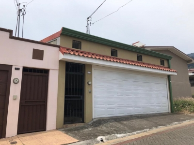 Venta de casa en Tres Rios, la Carpintera, Residencial con seguridad 24/7