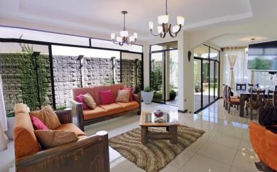 Lujosa Casa de 300 m2 con hasta 4 Hab, Condominio Albacete, Cartago