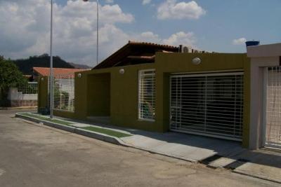 Casa en Venta en La Encrucijada, Pque. Resd. Don Juan. Cod. 18-4850