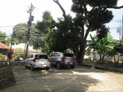 ID7072 Vendo amplio terreno en Carrasquilla