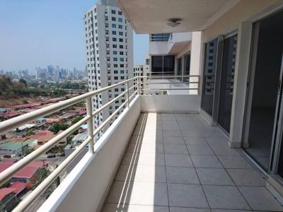 Vendo amplio apartamento en Bethania