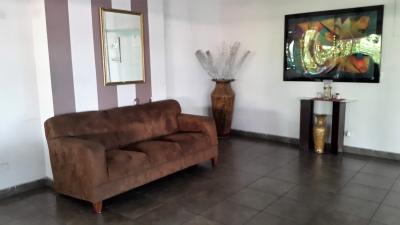 Apartamento en Alquiler en Panama, Bella Vista, Vía España Amoblado Completo y Cerca de Todo!