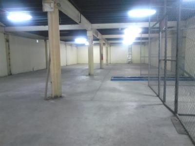 Galera con oficina en Pueblo Nuevo