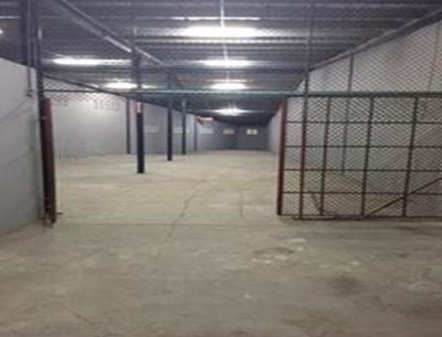 Galera con monta carga en Pueblo Nuevo